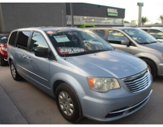 CHRYSLER - TOWN & COUNTRY